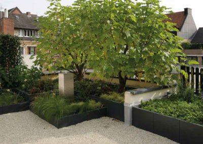 Mehr Raum – Hochbeete schaffen Wurzelraum auf dieser Dachterrasse